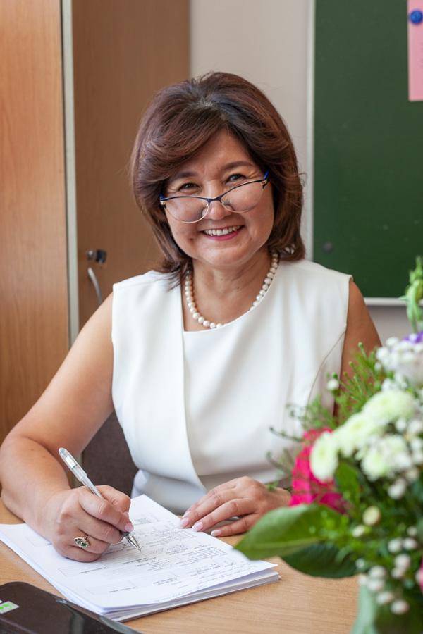 Хайдарова Жания Калихановна - Учитель казахского языка и литературы.