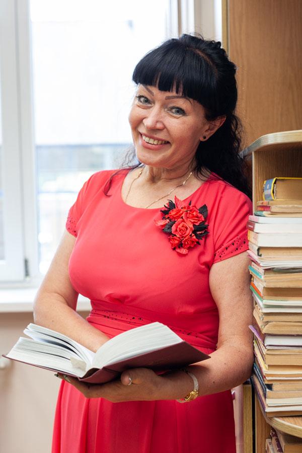Лановенко Наталья Никитична - Руководитель МО русского языка и истории, учитель русского языка и литературы.